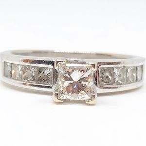 1.00 CTW Princess Cut Diamond Engagement Ring